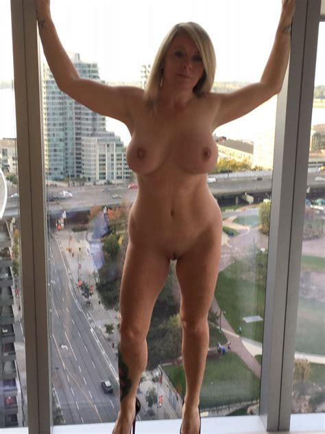 Hotwife Naked On Window Geemanandwoman Regards From