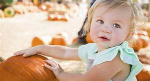 Baby names inspired by fall | BabyCenter