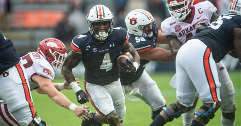 Rapid Reaction: Auburn hangs on for bizarre and ...