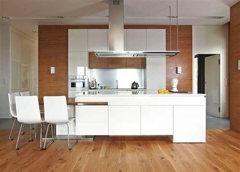 cuisine et parquet cuisine bois et blanc dans un appartement en 25 idées