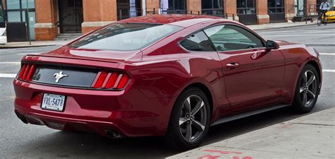 Ford Mustang V6 Coupé (vi)