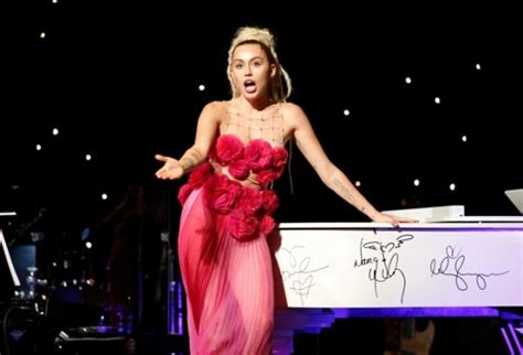 Miley Cyrus Completely Naked On A Magazine Cover Photos