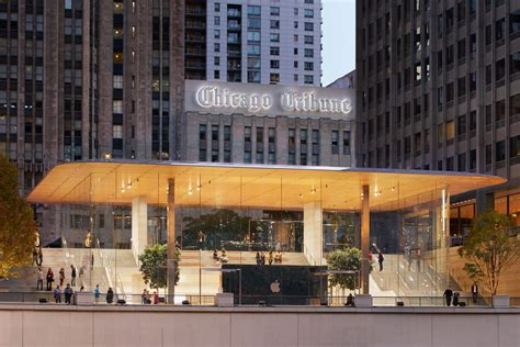 Store Chicago by Chicago S New Michigan Avenue Apple Store Ready For Its