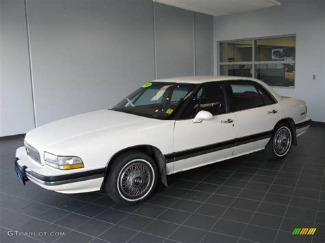 Buick Lesabre 1992 by 1992 Bright White Buick Lesabre Limited 16910388 Photo 3