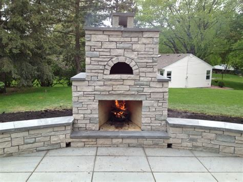 Outdoor Fondulac Stone Fireplace And Pizza Oven In St