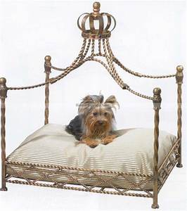 Total fab luxury designer dog beds for small and large dogs for Luxury dog beds for small dogs
