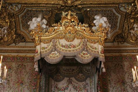 chambre de reine file château de versailles chambre de la reine lit 03