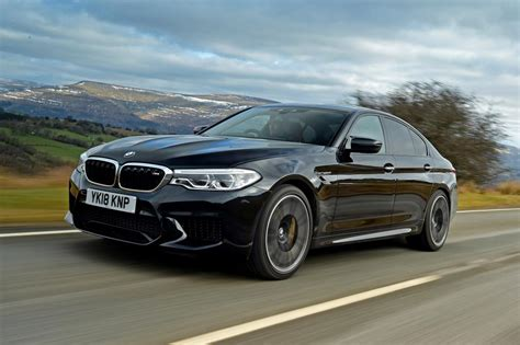 Bmw M5 Vs by Bmw M5 Vs Mercedes Amg E 63 S Pictures Auto Express