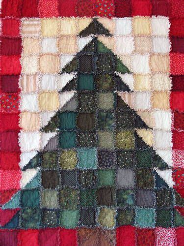 make a rag strip christmas tree 1000 ideas about rag quilts on rag quilt flannel rag quilts and quilting