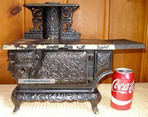 C. 1895 Ideal No. 3 Cast Iron Toy Stove, Restoration Or ...