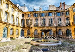 Autodiscount Aix En Provence : alberta square aix en provence stock photo more pictures of 2015 istock ~ Medecine-chirurgie-esthetiques.com Avis de Voitures