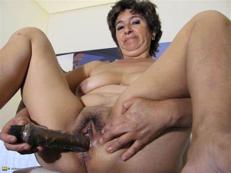 Of German And Euro Mexican Descent Wifes Marilo Love To Playing With Her Bouncy Butt