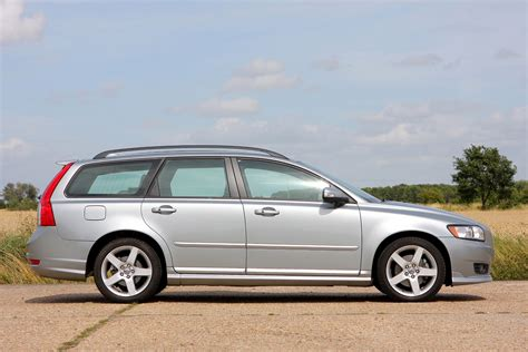 volvo  estate   features equipment