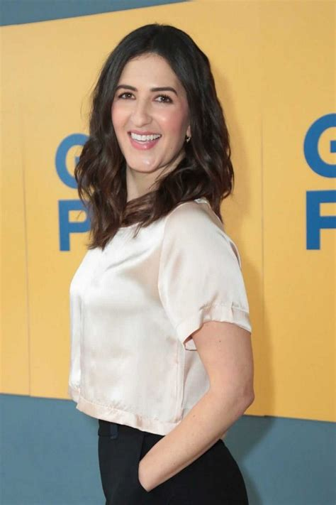 D'arcy beth carden alias d'arcy carden was born as darcy beth erokan on january 4th in the year 1980. D'Arcy Carden Hottest Photos   Sexy Near-Nude Pictures, GIFs