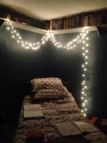 i ve noticed most hipster bedrooms include stringed lights