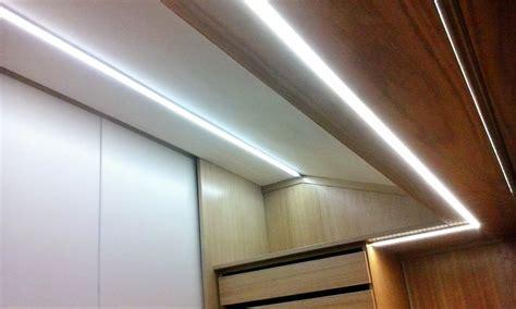 Illuminazione Per Armadi by Foto Illuminazione Cabina Armadio Di Punto Luce 327116