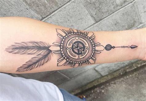 kompass unterarm kompass tattoos ideen und bedeutungen