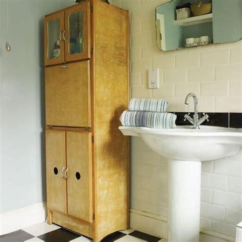 Badezimmer Fliesen 60er Jahre by 50er Jahre Badezimmer Lagerung Wohnideen Badezimmer Living