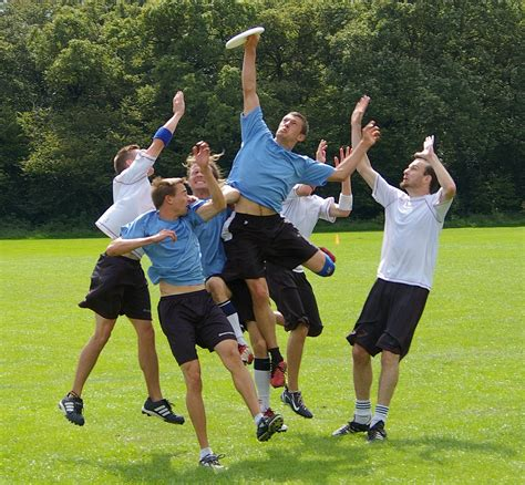 South Kingstown Ultimate Frisbee Club   by Billy Considine ...