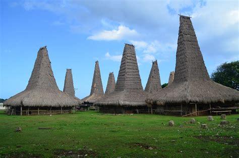 mengenal rumah adat suku sumba nusa tenggara timur