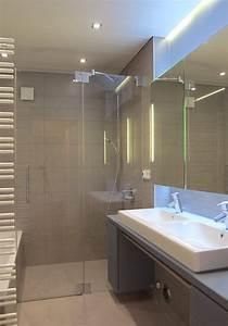 Kleine Badezimmer Neu Gestalten : kleines bad mit gro er dusche von hansen innenarchitektur ~ Watch28wear.com Haus und Dekorationen