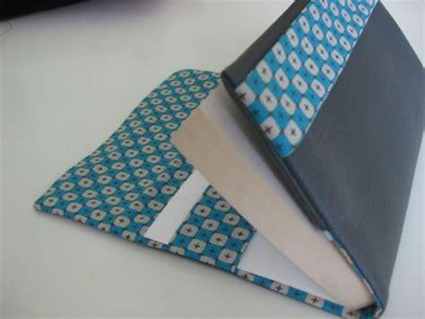 le liseuse pour livre 17 meilleures id 233 es 224 propos de couvertures de livres en tissu sur bricolages en