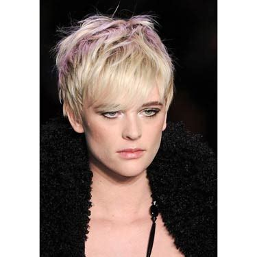 fryzury na krotkie wlosy damskie