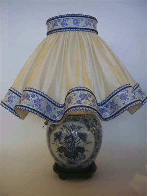 abat jour pour le chinoise le en porcelaine bleu blanc aux merveilles d asie
