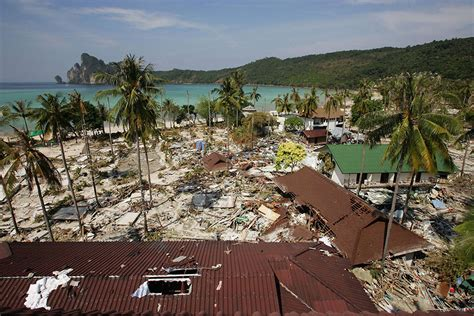 Boxing Day tsunami 2004: How the places affected look now ...