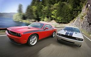 Details Of What U0026 39 S New For 2010 Dodge Challenger Se  R  T