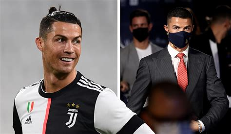 Ronaldo makes classy gesture of giving player of the year ...