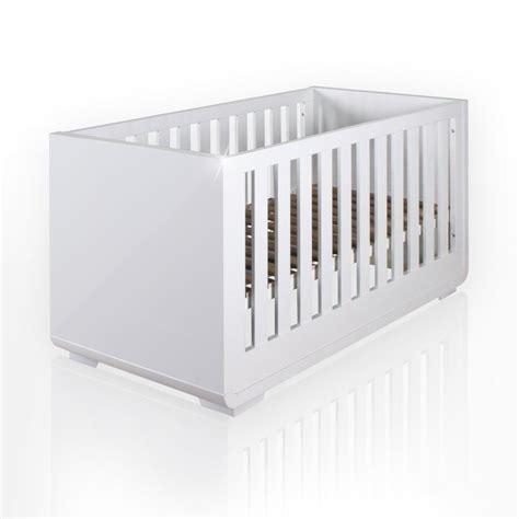 spielzeug für babybett babybett aus der serie yves hochglanz 60cm x 120cm de spielzeug babybetten baby