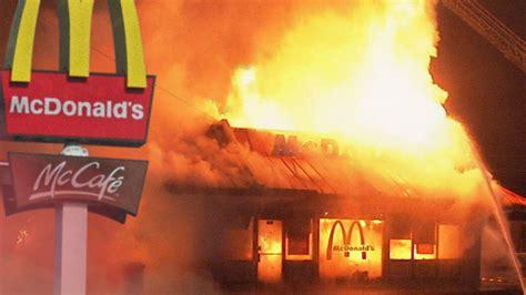 Burning Mcdonalds!!!