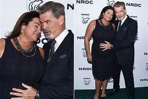 Pierce Brosnan imádja duci feleségének minden porcikáját ...