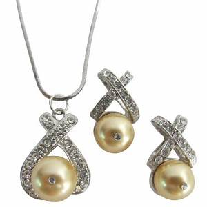 Beautiful Bright Yellow Gold Pearls Necklace Earrings