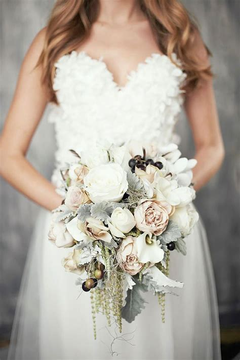 25 Best Ideas About Winter Wedding Bouquets On Pinterest
