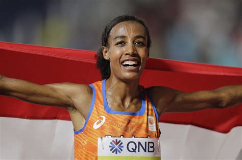 Sifan hassan making a living running, not an amateur, on a mission from from above, watch her stride to another medal, on a good night breaking the world record. The Nike Oregon Project's Sifan Hassan kicks to victory in the 10,000 at the World Track ...
