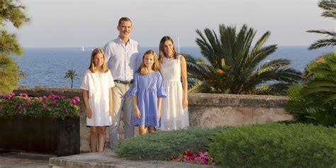 spanish royal family vacation   mallorca   buy queen letizias  espadrilles