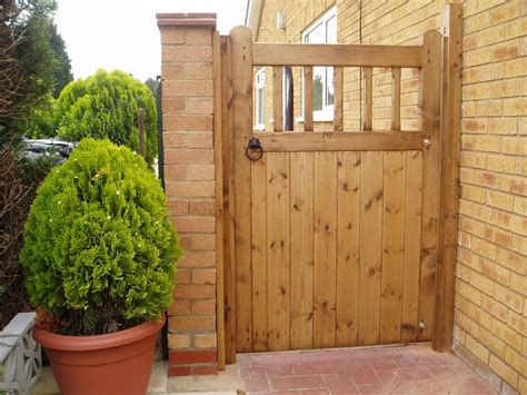 Fence - Gate : (res) Single Wooden Gates-gkw-wrought Iron Kent