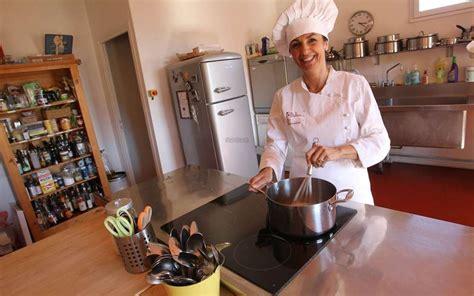 on prend un cours de cuisine à quatre mains sud ouest fr