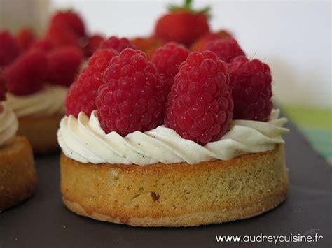 recette dessert aux framboises recette de mini tartelettes aux framboise cr 232 me