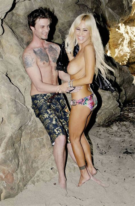 Shauna Sand Nude Big Boobs At The Beach Pichunter