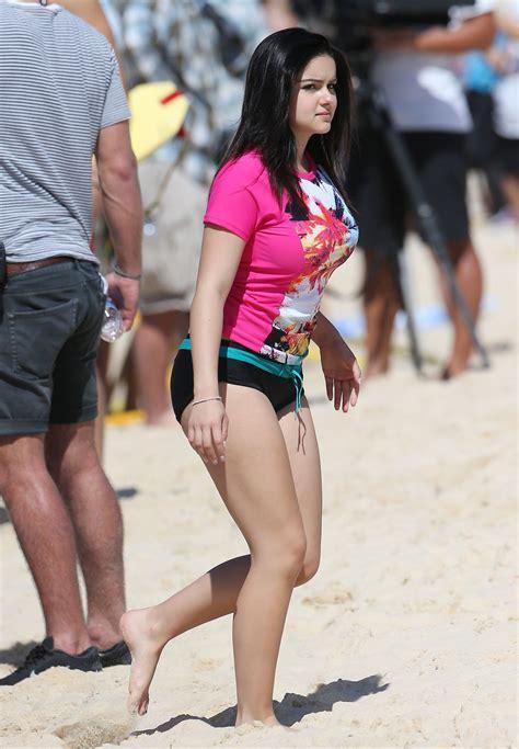 Ariel Winter And Sarah Hyland Bondi Beach In Australia Part