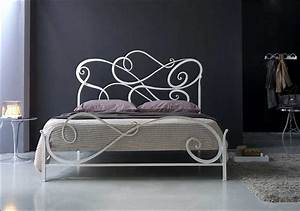 Lattenrost Für Metallbett : metallbett design f r stilvolle und komfortable schlafzimmerm bel ideen ~ Markanthonyermac.com Haus und Dekorationen