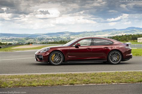 With 353 kw (480 ps) and 620 nm, the new. 2021 Porsche Panamera Turbo S - Cherry Metallic - Dailyrevs