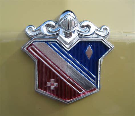 shield  crest emblems cartype