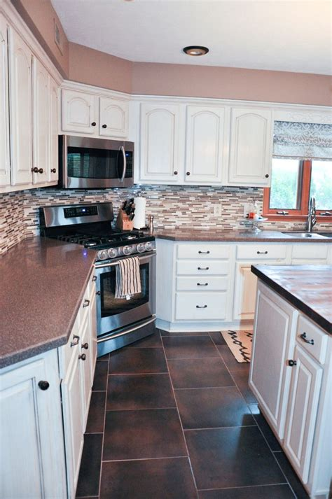 kitchen cabinet spacing 1000 images about corner stove kitchen design on 2771