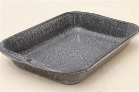 vintage grey spatterware graniteware enamel  enamelware baking roasting pan tray
