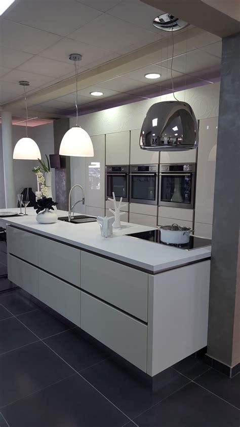 installation cuisine ixina ixina cuisine reunion meuble de salon contemporain
