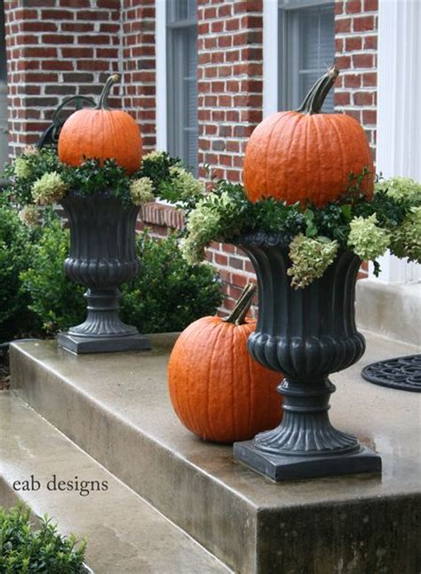 22 Fall Front Porch Ideas {veranda}